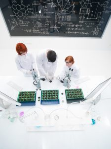 © Florea Paul Daniel | Dreamstime.com - Teacher and students in laboratory