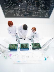 © Florea Paul Daniel | Dreamstime.com - Teacher and students in laboratory