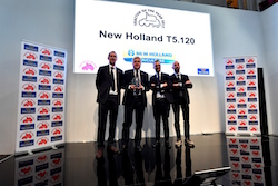 new-holland-agriculture-accepts-the-best-utility-title-for-the-t5-120-at-the-2017-tractor-of-the-year-awards