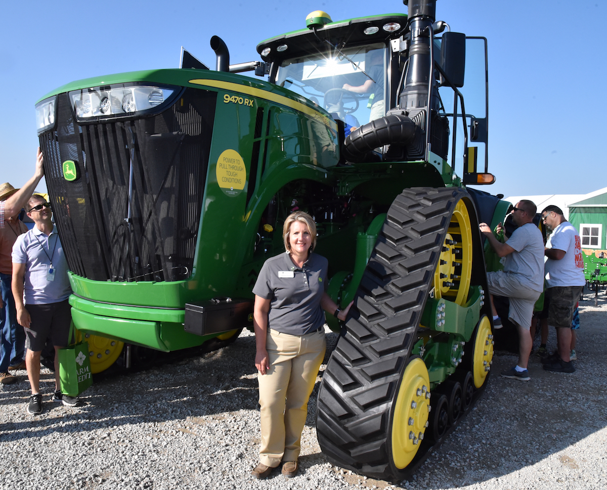 John Deere Tractor Shows : John deere expands rx tractor lineup agwired